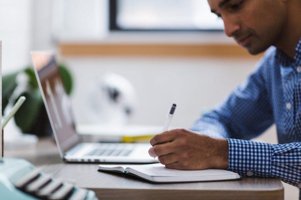 tips menulis akademik